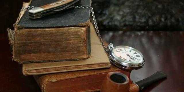books-22833_1280a-640x320